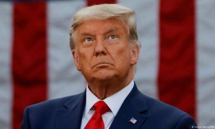 Republicanos se suman a llamados para que Trump renuncie