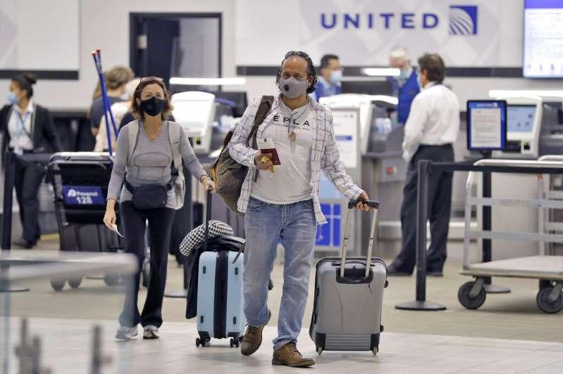 Estados Unidos exigirá un test negativo de COVID-19 a los viajeros internacionales