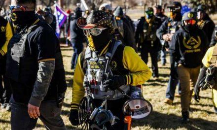 Los grupos extremistas que siembran el miedo en Estados Unidos