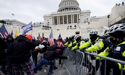 """""""Vayan listos para la guerra"""": el FBI halla evidencias de que el asalto al Capitolio fue coordinado"""