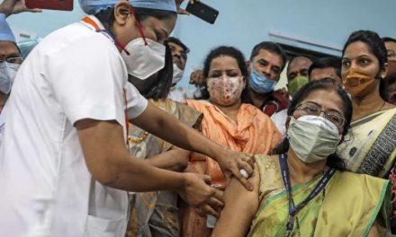 """India arranca """"la mayor campaña de vacunación del mundo"""" contra la covid-19"""