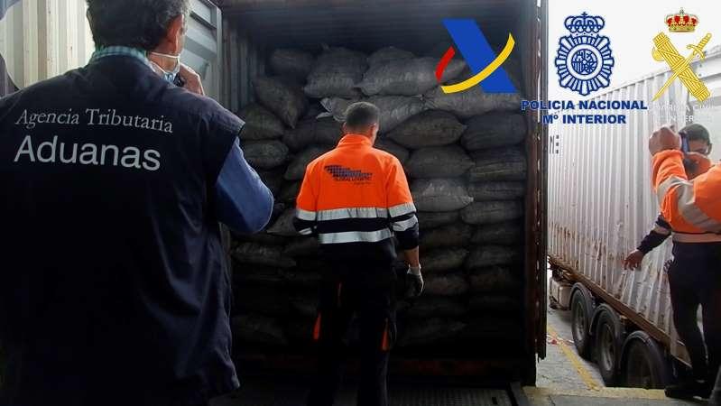 Cae en España una red que traía cocaína de Sudamérica y decomisan 2 toneladas