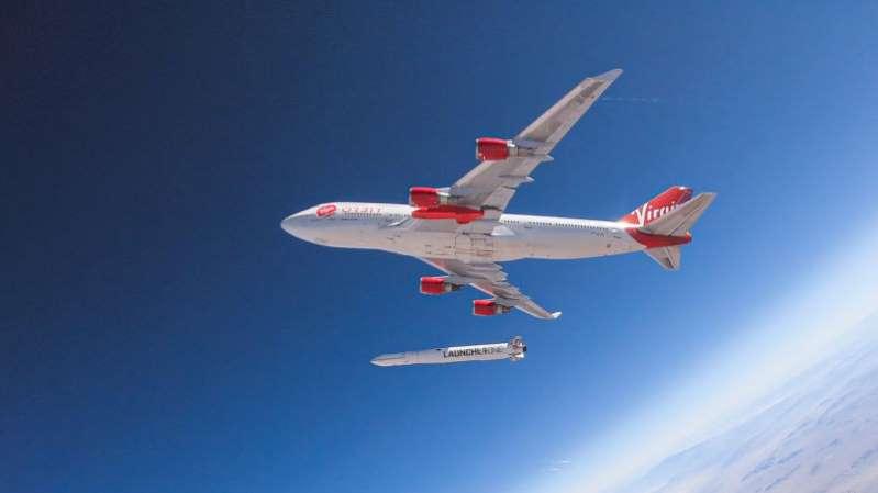 Así fue el histórico vuelo de Virgin que consiguió poner en órbita un satélite desde un avión