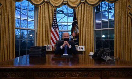 Biden firmó una orden ejecutiva que evita la salida de Estados Unidos de la OMS