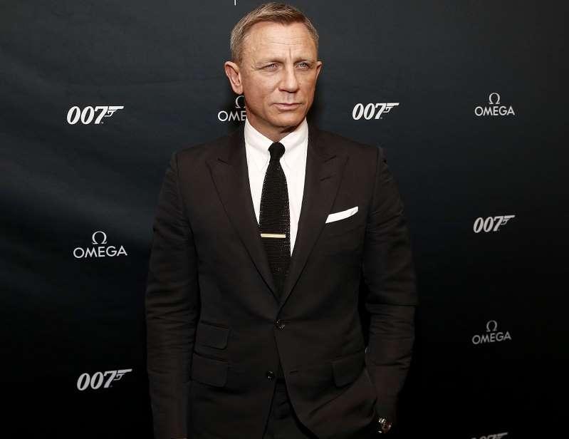 Posponen nuevamente estreno de película de la saga 'James Bond'