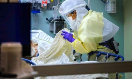 Estados Unidos alcanza los 25 millones de contagiados por COVID-19