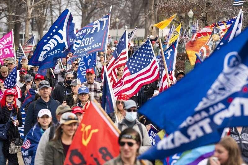 """Partidarios de Trump preparan una """"manifestación salvaje"""" en Washington"""