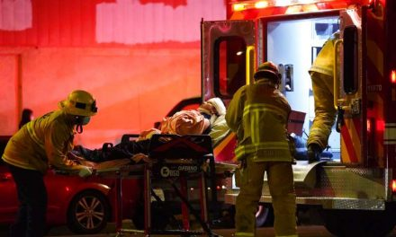 Un caos. Las ambulancias en Los Ángeles renuncian a atender a los pacientes más graves por el colapso hospitalario