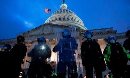 Obama y otros líderes políticos de EE.UU. condenan a Trump por la toma del Congreso