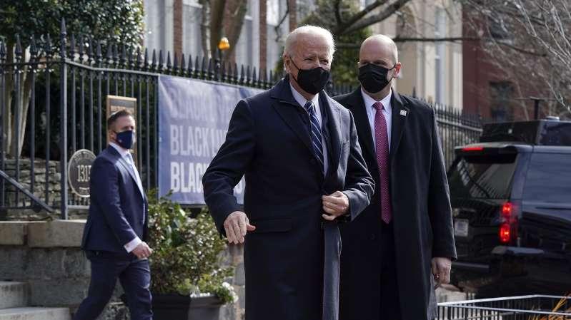 Biden firma una orden ejecutiva para priorizar los productos y empleos estadounidenses