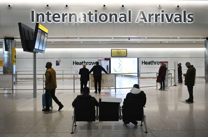 Londres defiende el refuerzo fronterizo y pide a los británicos no viajar