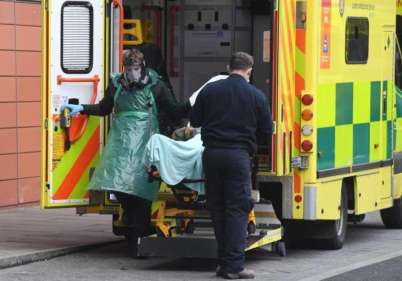 El Reino Unido, primer país europeo con mas de 100.000 muertos por covid-19