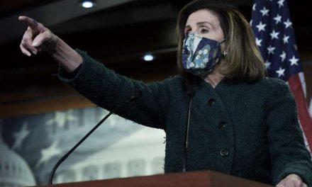 """Pelosi no descarta reforzar la seguridad del Congreso porque """"el enemigo está dentro de la Cámara"""""""