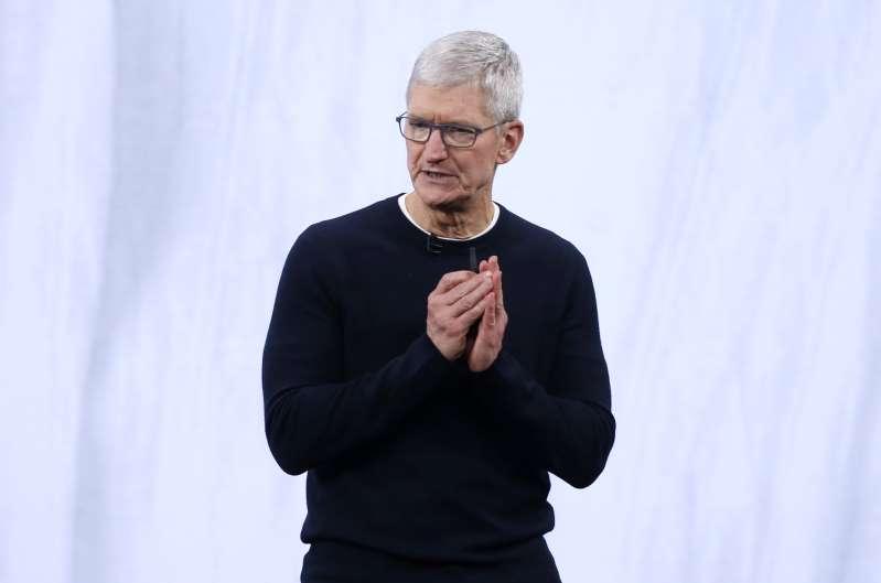 Tim Cook de Apple critica prácticas de redes sociales e intensifica conflicto con Facebook