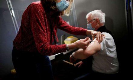 La bolsa española vuelve a caer pendiente de las vacunas y los resultados corporativos