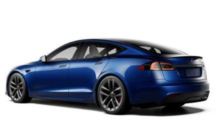 Tesla Model S y Model X Plaid 2022: más futuristas que nunca, el volante lo dice todo