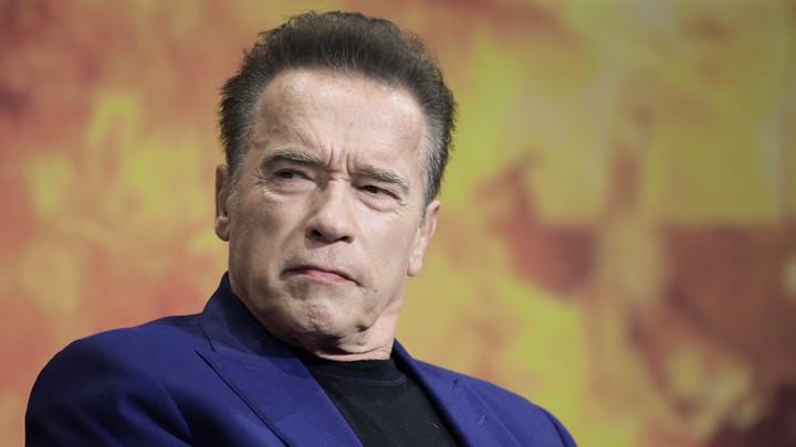 """Arnold Schwarzenegger llama a Trump """"antiestadounidense"""" por intento """"malvado"""" de anular las elecciones"""