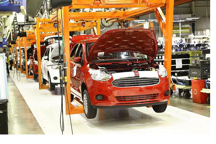 Covid-19 revienta a Ford en Brasil. Cerrará 3 de sus Plantas. 4.800 de sus empleados afectados.
