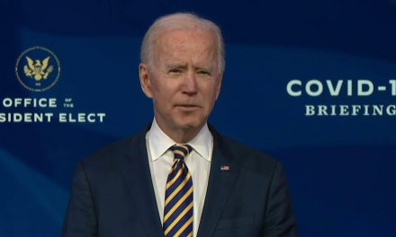 Anuncia Joe Biden que Estados Unidos tendrá vacunas suficientes para sus 300 millones de habitantes en julio