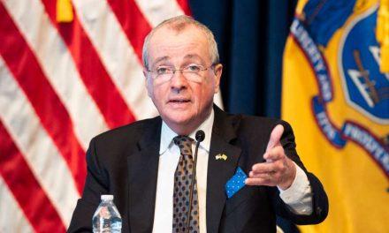 Gobernador Murphy explica por qué optó por priorizar a los fumadores por encima de los maestros para recibir la vacuna
