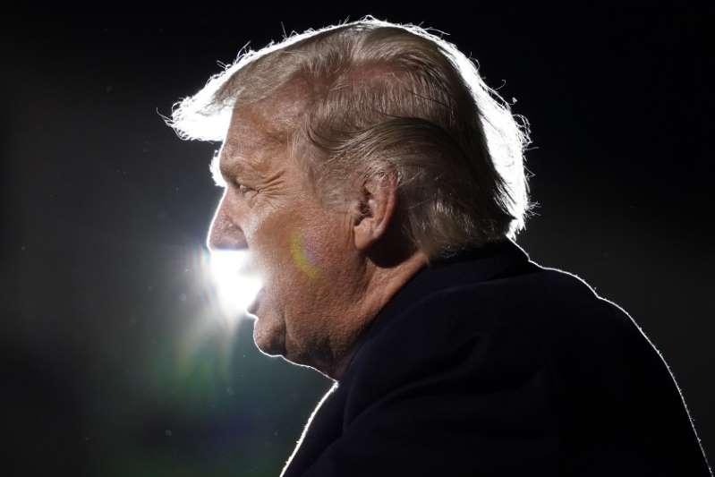 """Trump aplaude su absolución y avisa que su movimiento """"acaba de empezar"""""""