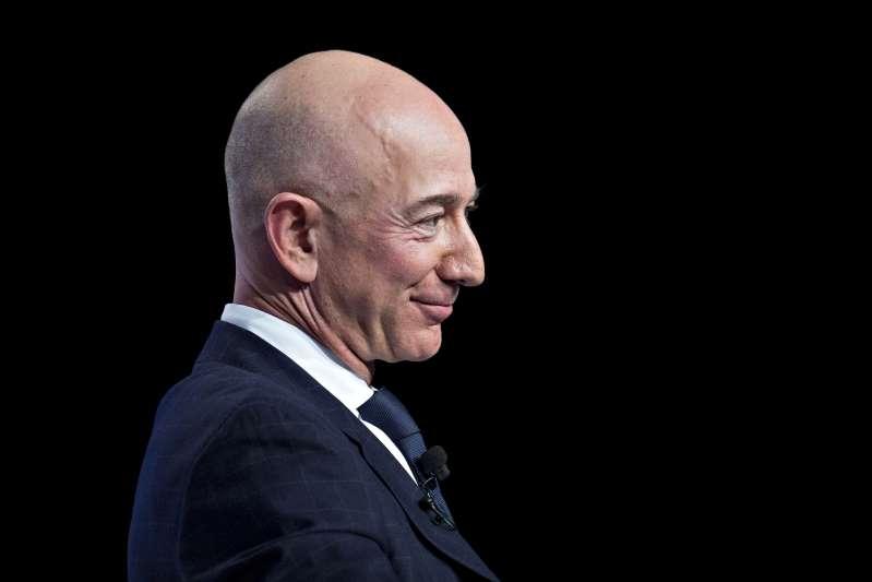 Bezos destrona a Musk como la persona más rica del mundo