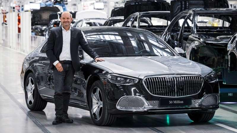 Mercedes-Benz inicia la producción del Maybach Clase S y logra 50 millones de autos producidos