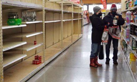 Más de 13 millones en Texas enfrentan una crisis de agua después de la brutal tormenta de invierno