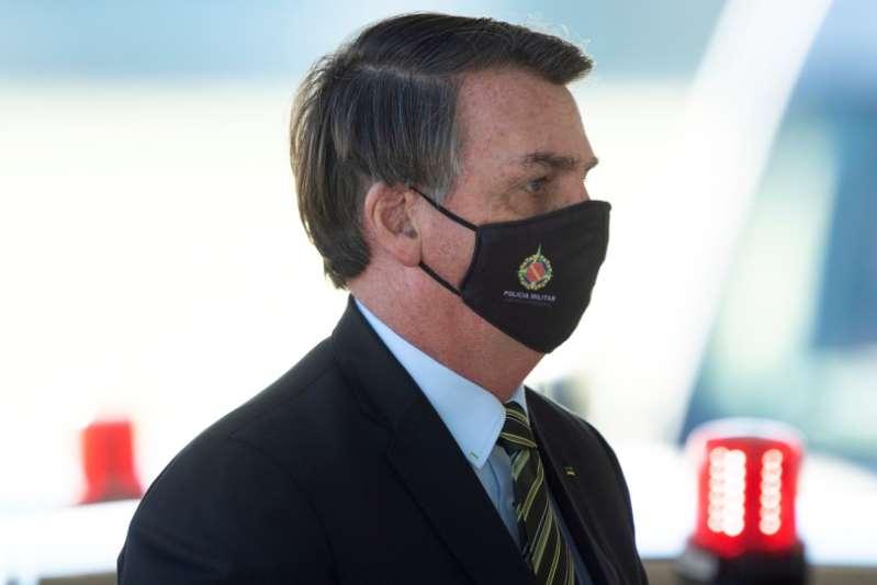 Camioneros doblan a Bolsonaro y anuncia exención fiscal para diesel y gas