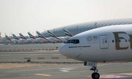Emirates opera su primer vuelo con los empleados vacunados de COVID-19