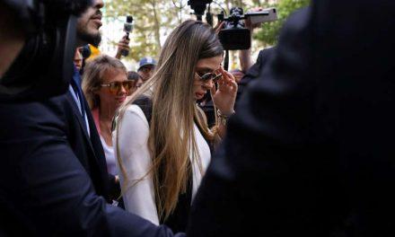 El arresto de Emma Coronel evidencia la sospecha de EE.UU. de que ella ayudó a 'El Chapo' a manejar el Cártel de Sinaloa
