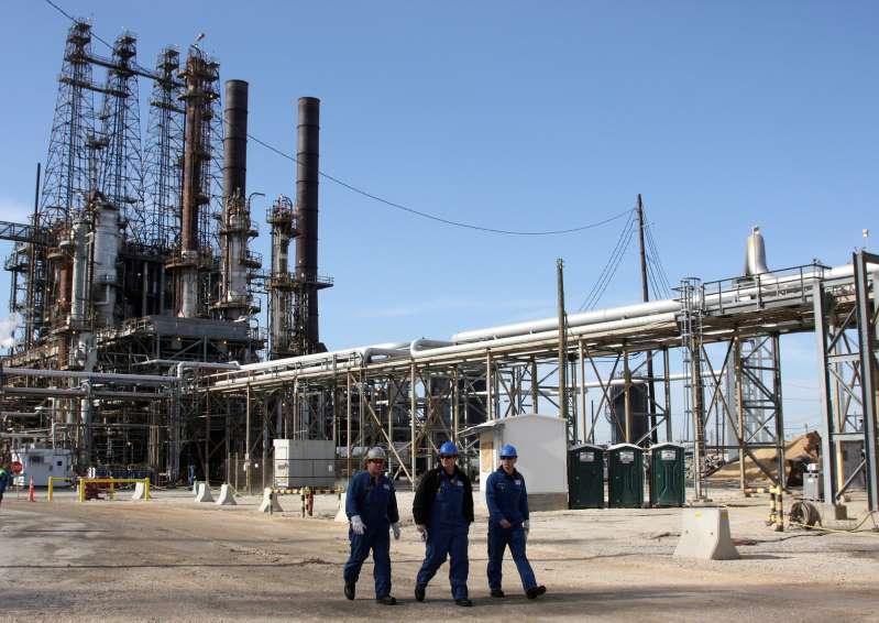 Refinerías de Texas retomaron la actividad tras tormenta invernal