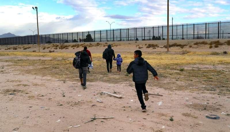 Culpan a Joe Biden de nueva 'oleada' de migrantes