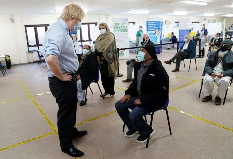 Gran Bretaña ordena otras 40 millones de dosis de la vacuna COVID-19