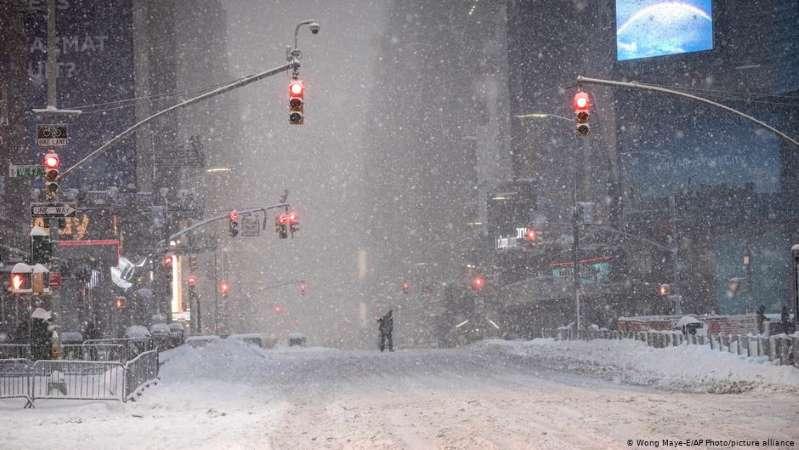 Inmensa nevada azota el noreste de Estados Unidos