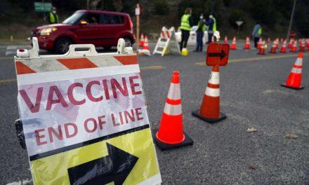 Gobierno de Estados Unidos anuncia que no habrá arrestos de inmigrantes indocumentados en centros de vacunación contra el COVID-19