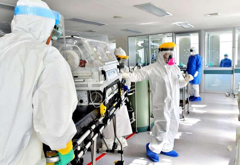 Con su presidente infectado, México reporta 1.682 muertos hoy, 13.575 nuevos contagios por covid-19 y roza los 1,9 millones