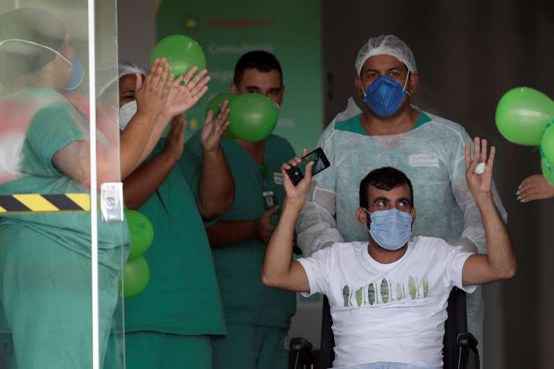 Brasil adquiere 20 millones de dosis de vacuna de la India