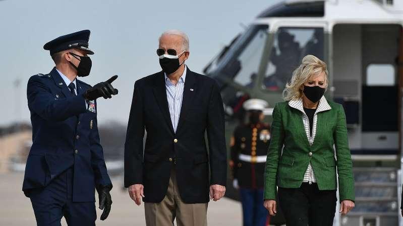 El presidente Biden y la primera dama visitan Texas ante el paso de la brutal tormenta invernal