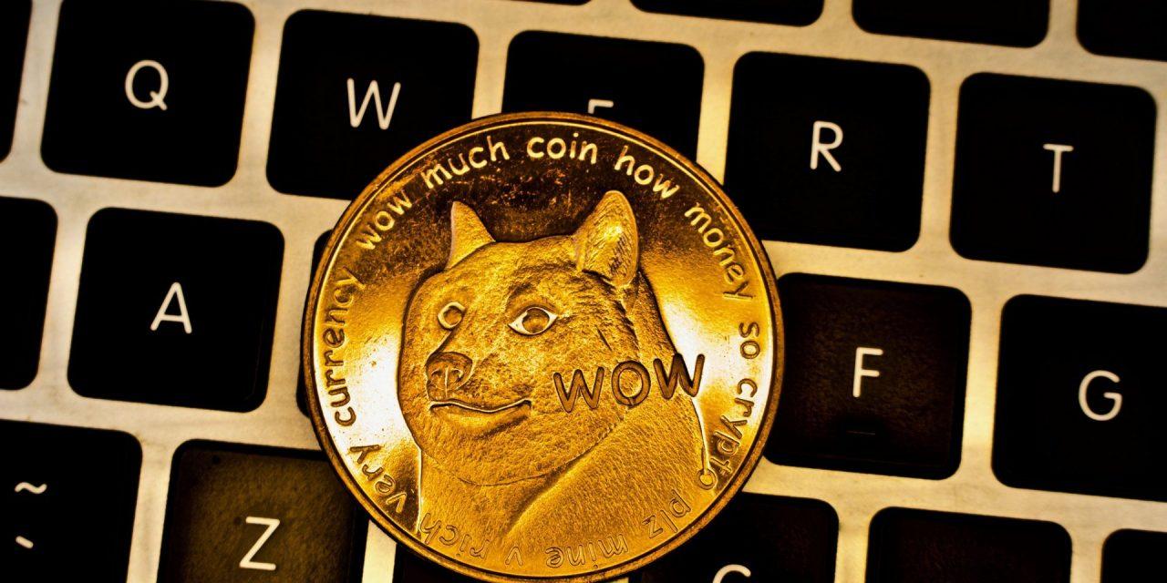 """Elon Musk ofrece dinero para ayudar a que el #Dogecoin se convierta en la """"moneda de Internet"""""""