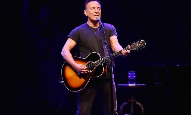 Bruce Springsteen fue multado con 500 dólares por tomarse unos tequilas