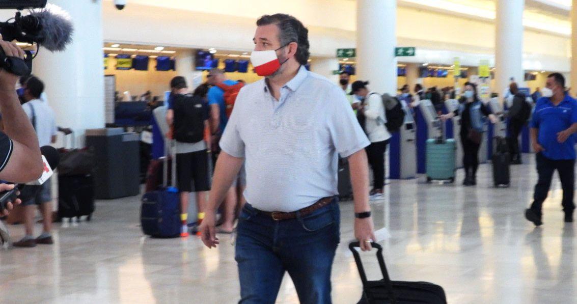 Las excusas de Ted Cruz por su viaje a Cancún continúan desmoronándose