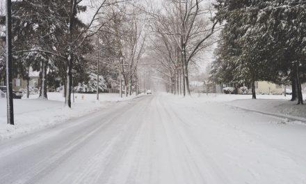 2 dead as winter storm slams Texas