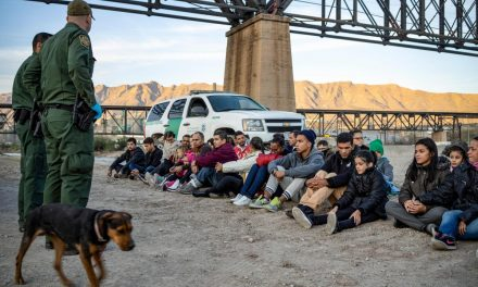 Biden officials to travel to border amid influx of young migrants