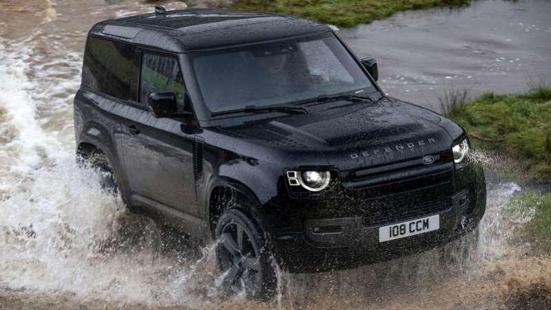¡Mira! Land Rover Defender está disponible con un motor V8 Supercargado