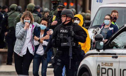 Hombre transmitió en vivo tiroteo en supermercado en Colorado, pero no ayudó a las víctimas; usuarios lo critican en redes sociales