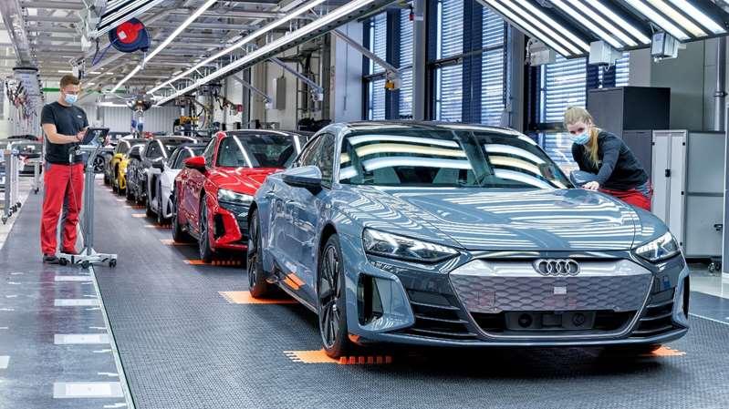 Audi ofrecerá 20 modelos de camionetas y autos eléctricos antes de 2025
