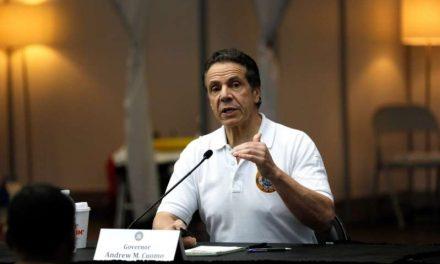 Retiran poderes de emergencia al gobernador de Nueva York en pleno escándalo