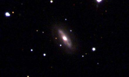 Detectan el caso más claro de un agujero negro masivo en movimiento