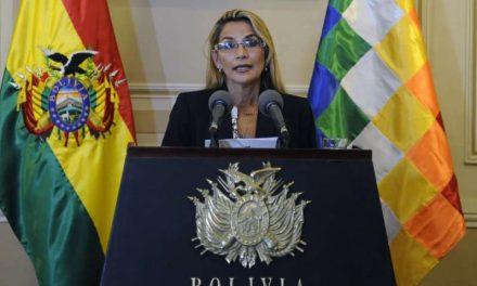 """El Gobierno de Bolivia detiene a la expresidenta Jeanine Áñez por """"sedición y terrorismo"""""""